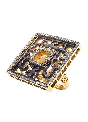 Кольцо из позолоченного серебра с перламутром, ювелирной эмалью и фианитами