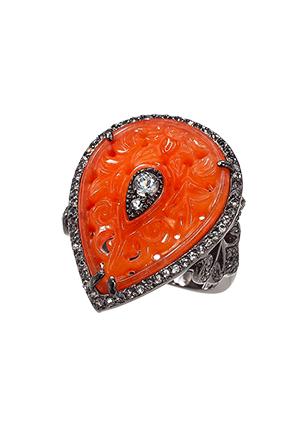 Серебряное кольцо с красным кварцем и топазами