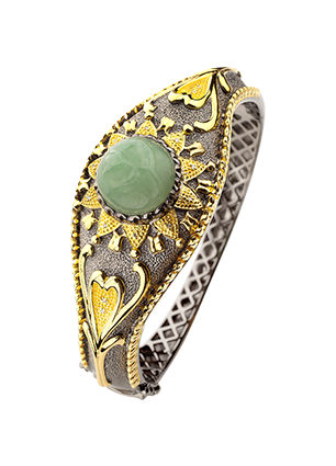 Silver bracelet with aventurine and diamonds
