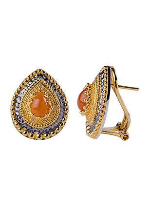 Silver earrings with diamonds and carnelian